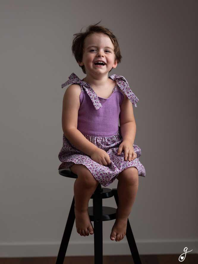 Foto di bambina vestito viola